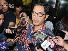 JANGAN UTANG:Kabiro Humas KPK Febri Diansyah di Gedung KPK, Jalan Kuningan Persada, Jakarta Selatan, Selasa (23/1). KPK minta calon kepala daerah (Cakada) tak terikat utang untuk kampanye Pilkada 2018.