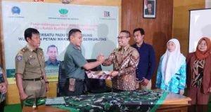 MOU : TNI dan Lumbung Banyu mengikat kerjasama dalam bidang pertanian kemarin. Adhi/jateng pos