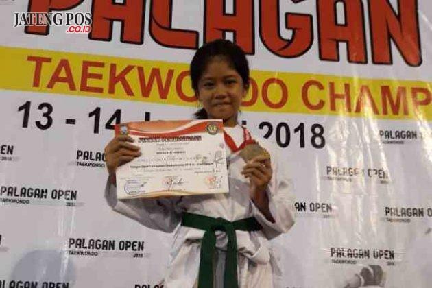 SELAMAT: Juara 2 Palagan Taekwondo Champion tingkat Jawa Tengah dari SD Pandean Lamper 01. Selamat dan sukses.