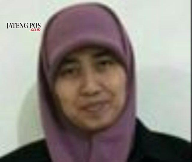 Harini, S. Pd. Guru SMP Negeri 9 Surakarta