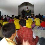 SHOLAT JUMAT: Penanaman pendidikan karakter religius sholat jumat di SDN Sukorejo 02. Salam PPK religius.