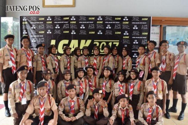 PRAMUKA BERPRESTASI: Generasi Milenial yang berpendidikan dengan menumbuhkan karakter melalui Gerakan Pramuka. SMP N 28 SEMARANG. Kecamatan Tugu Kota Semarang.
