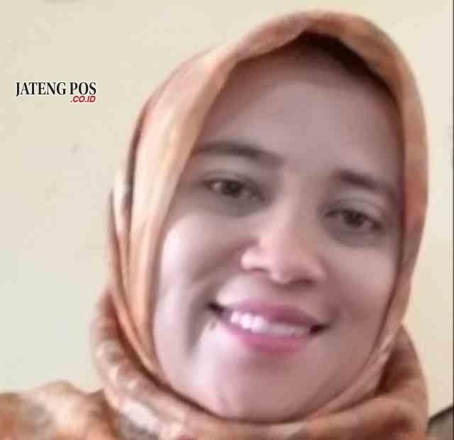 Lies Mira Fitri Astuti,S.Pd Guru SMPN 1 Ngaringan Kabupaten Grobogan