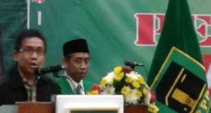 MENDUKUNG: Koordinator Gus Durian Jateng Husen Syifak memberikan sambutan dalam Rakorwil PPP Jateng di Hotel Semesta Semarang, Senin (19/2).