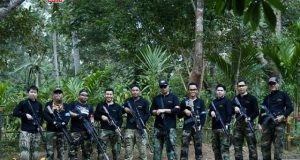 KOMPAK : Anggota Cannon Gel berfoto selepas Skirmish di kebun durian Watu Simbar Gunungpati,Semarang