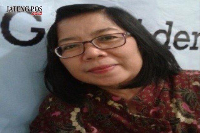 Dra. MM. Eksi Hastuti Guru SMPN 1 Penawangan Kabupaten Grobogan