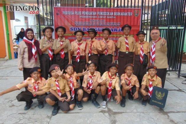 PERJUSA: Pendidikan karakter siswa SDN Bangunharjo yang tampak akrab dalam kegiatan perjusa. Selamat dan sukses ya.