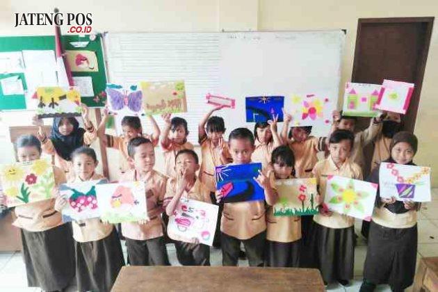 KREATIF: Prakarya dari kain flanel oleh kelas 2 SD Lempongsari Semarang. Salam kreatif