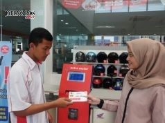KUPON SERVICE : Sebelum service, konsumen menunjukkan KPB dan mendaftarkan diri kepada Service Advisor untuk mendapatkan nomor antrian. dok/Jateng Pos