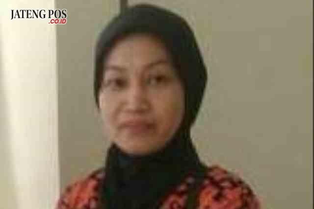Leny Eka Damayanti, S.Pd Guru SMKN 1 Salatiga
