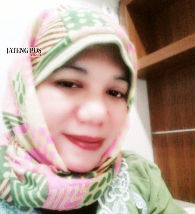 Yuni Istyorini S.Pd Guru SMP 37 Semarang