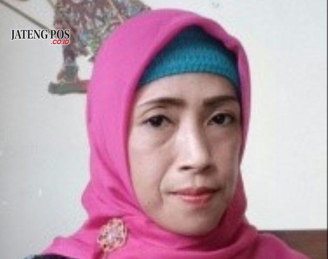 Retno Fajarwati, S.Pd Guru SMA Negeri 1 Sidoharjo, Wonogiri