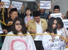 JADI TONTONAN : Mini drama Larung Setan Star Hotel Semarang, sambut Ramadhan mengingatkan umat manusia untuk selalu berbuat baik dan menjauhi sifat negatif. Foto : DWI SAMBODO/JATENG POS.