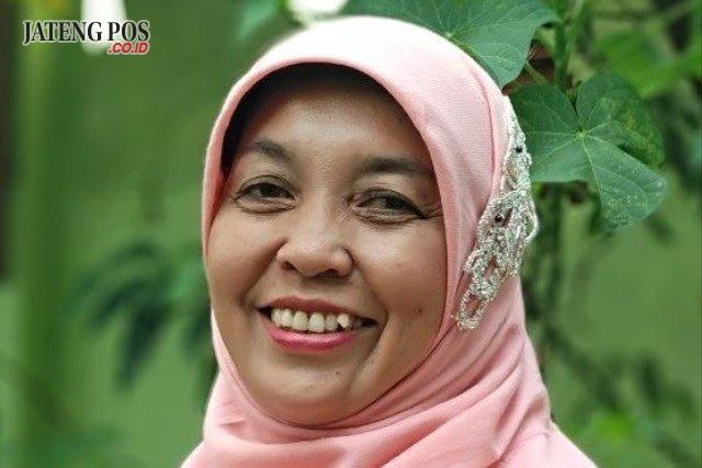 Dra. Tipuk Ida Kristiyati Guru SMA Negeri 3 Purworejo