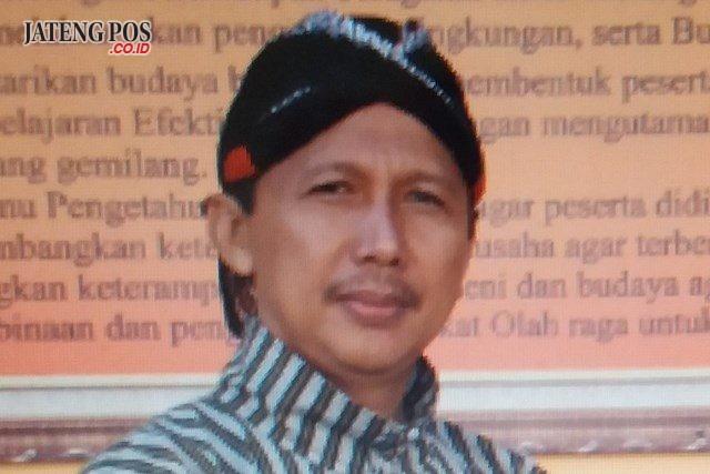 Drs. FA. Suprapto Mukti Nugroho, M.Pd. Guru SMP Negeri 6 Temanggung, Jawa Tengah