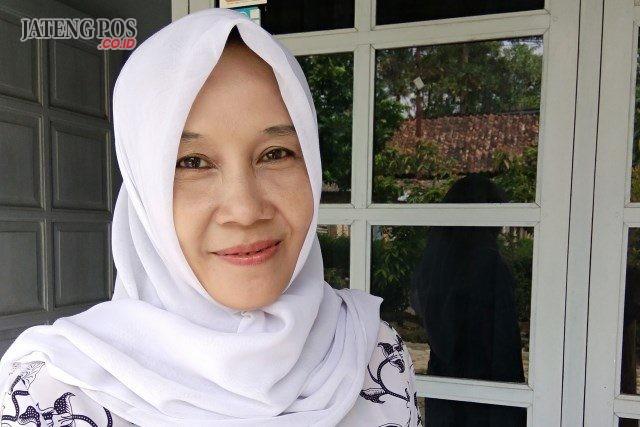 Sugiyarti,S.Pd.AUD. TK Tunas Harapan Pangenrejo Kecamatan Purworejo Kabupaten Purworejo