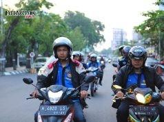 Organisasi Supra Semarang (OSRAM), Paguyuban Honda Semarang (PHaS), dan komunitas lainnya saat melakukan konvoi di kota Semarang