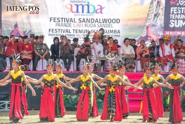 Festival Sandalwood dan Festival Tenun NTT .FOTO :Raiyani Muharamah