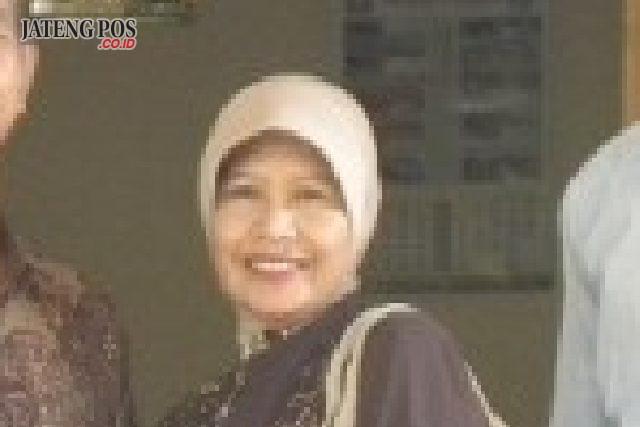 Siti Afidah, S.Pd, Guru SMAN 13 Semarang