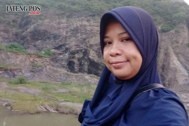 Sri Sarmiasih,S.Pd. Guru SMKN 2 Wonogiri, Kabupaten Wonogiri