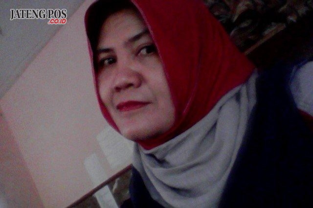 Dra.Eko Sulistyowati,M Pd. Guru SMK Negeri I Plupuh, Sragen