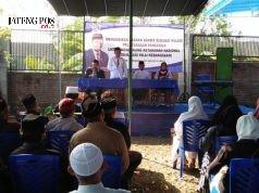 Jaga Persatuan : Anggota DPR/MPR RI Drs.H.Fadholi saat mensosialisasikan nilai kebangsaan di hadapan ratusan masyarakat di Salatiga. ( foto : dekan bawono/ jateng pos).