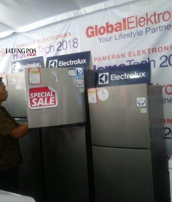 PAMERAN- Superstore Global Elektronik Semarang kembali menggelar Pameran HomeTech untuk ke-40 kalinya, mulai 17 Oktober - 6 November. FOTO : ANING KARINDRA/JATENG POS