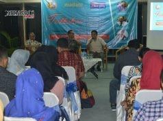 Sharing alumni yang dilakukan oleh Manunggaling Kadang Alumni (Madani) STIE BPD Jateng kepada para lulusan baru dalam mempersiapkan diri memasuki dunia kerja. (AHMAD KHOIRUL ASYHAR/JATENG POS)