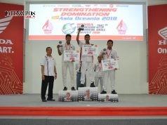 Kontes SMK Nasional: Para juara kontes mekanik SMK tingkat regional Jawa Tengah yang akan berlaga di kontes mekanik SMK Nasional 2018 (ki-ka) Marwa Vista D. dari SMK Negeri 1 Rota Bayat, Ahmad Miftakhur Rohman dari SMK Negeri 1 Cluwak Pati dan M. Saechudin dari SMK Muhammadiyah 3 Weleri.