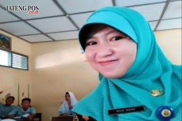 Nur Heni Chasanah, S.Pd Guru SMP Negeri 1 Gondang, Kabupaten Sragen