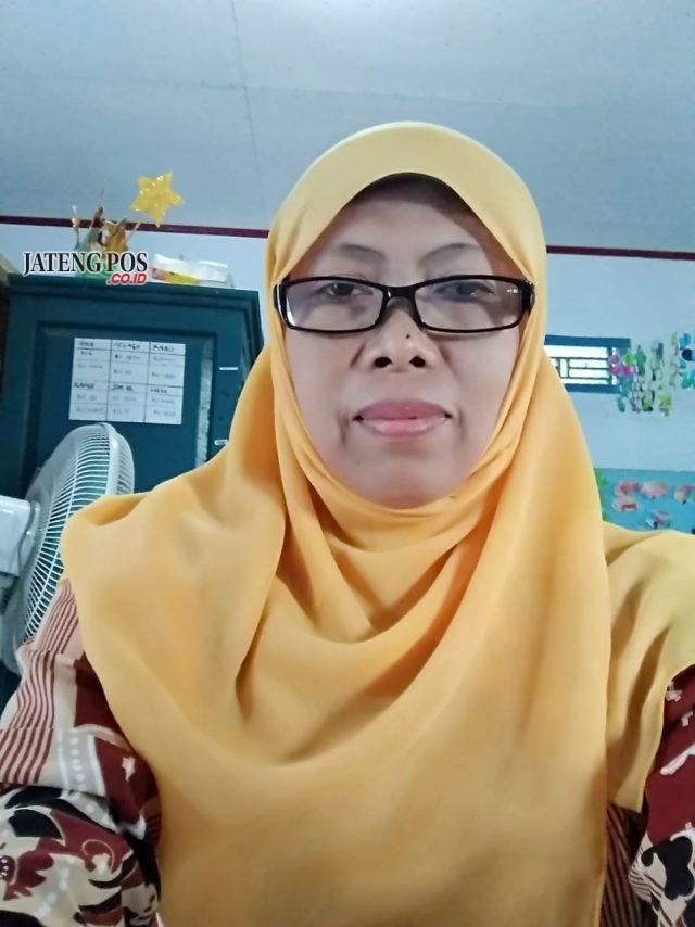 INDRATI, S.Pd.AUD. Guru Tk Harapan Desa Harjobinangun Kecamatan Grabag Kabupaten Purworejo