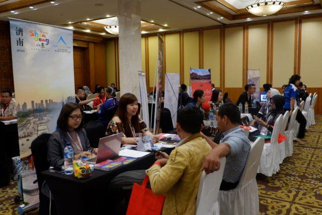 BURSA WISATA : Ratusan seller dan buyer hadir dalam Kegiatan Bursa Wisata Indonesia (BWI) ke-5 yang digelar oleh DPD Asosiasi Pelaku Pariwisata Indonesia (ASPPI) Jateng, di Hotel Patrajasa Semarang, Kamis (8/11). FOTO : ANING KARINDRA/JATENG POS