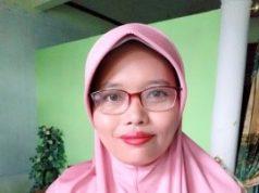Ediyati Tri Setyoningsh, S.Pd. Guru SMA Negeri 2 Sragen.