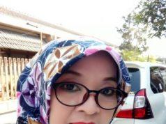 Nanik Purwanti ( Guru Matematika SMP Negeri 1 Batuwarno )
