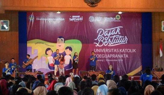 Sejumlah karyawan Direktorat Jenderal Pajak Jawa Tengah 1 turut terlibat dalam kegiatan 'Pajak Bertutur' yang digelar di sejumlah sekolahan dan perguruan tinggi.