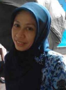 Eti Sri Wahyuningsih, SS Guru IPS SMP Negeri 1 Kertek, Kab. Wonosobo