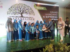 Plaza Kuliner Indonesia melaunching sejumlah produk dan memberi santunan pada anak yatim.