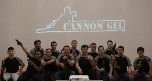 KOMPAK : Anggota Cannon Gel Berfoto Selepas perayaaan Ulang Tahun Ke 3 Foto : ARIF BUDIMAN/JATENG POS.