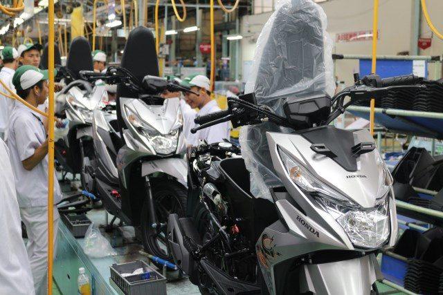 HONDA BEAT: Proses perakitan sepeda motor New Honda BeAT Street di Plant Sunter - Jakarta