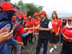 MERIAH : Menteri Pariwisata Arief Yahya ditemani Putri Indonesia 2011 Maria Selena mengunjungi Radja Pendapa Kabupaten Semarang, mencicipi kuliner dan berdiskusi tentang pasar digital dengan anggota Genpi Jateng.