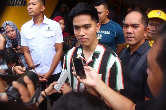 CABANG BARU: Kaesang Pangerap tengah memberi keterangan awak media usai meresmikan pembukaan kulinerSang Pisang di Semarang. Foto : DWI SAMBODO/JATENG POS.