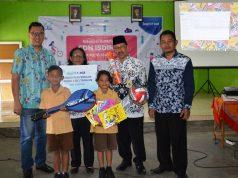 DONASI- BCA memberikan donasi sarana cuci tangan bagi anak-anak di tiga sekolah di Dusun Sirap Desa Kelurahan Kecamatan Jambu Kabupaten Semarang.