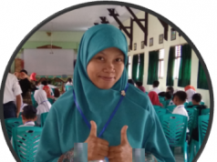 Heni Purwo Astuti,S.Pd Guru Bahasa Inggris SMP N 1 Kaloran Temanggung