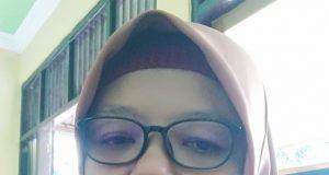 Dewi Ratnawati,S.Pd Guru SMP Negeri 3 Singorojo Kabupaten Kendal