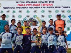 JUARA DUA : SSB SSS 08 Semarang di Piala PWI Jawa Tengah Kabupaten Pekalongan.