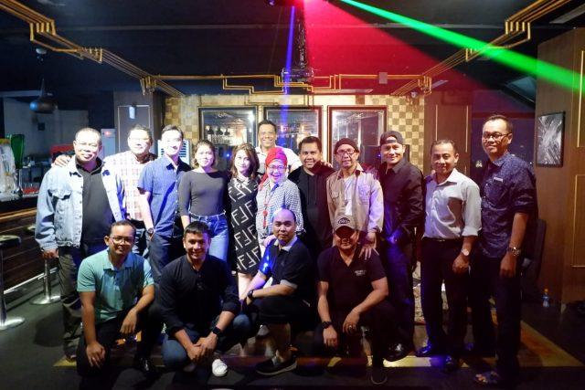 "FOTO BERSAMA : Para GM dan HM Hotel Semarang Hebat terlihat guyub dan kompak dalam event adu bakat ""The Voice"" di Wimarion Hotel Semarang. Foto : DWI SAMBODO/JATENG POS."