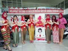 HARI KARTINI: Bentuk kegiatan spesial untuk konsumen Honda di Hari Kartini di salah satu dealer Honda di Jawa Tengah, Dealer Cendana Mulia Ungaran (21/04).