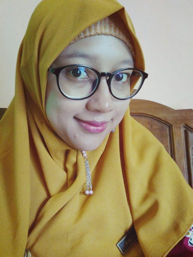 Siti Alfiah, S.Pd. Guru SD Negeri Sruwohrejo, Kab. Purworejo