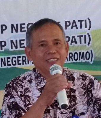 IHWAN,S.Pd. Guru SMP 7 Pati