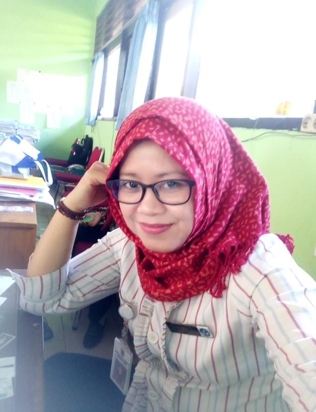 Dwi Ernawati, S.Pd Guru Mapel Bahasa Inggris SMP Negeri 1 Slogohimo